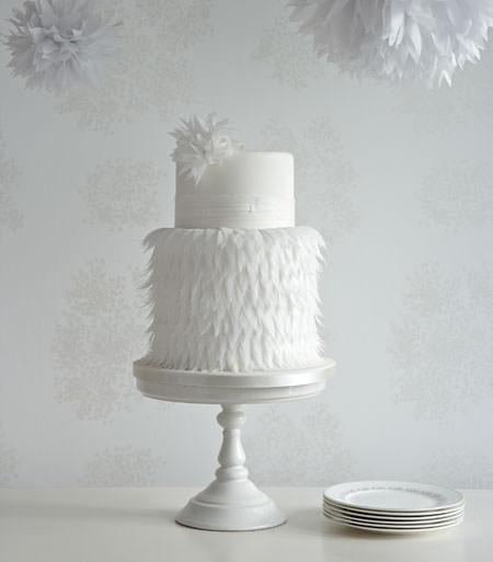 A_White_Paper_Flower_Wedding_Cake