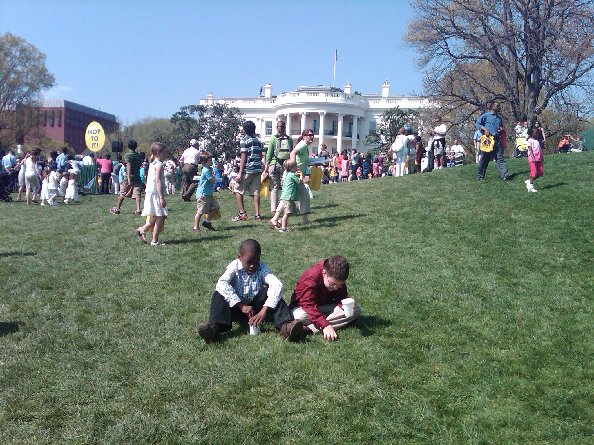 Little_Guys_Sitting_In_Front_Of_The_White_House