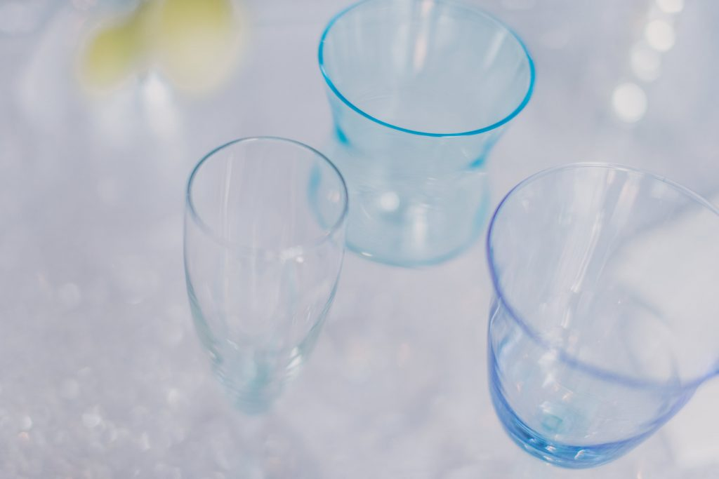 Blue Wine Glasses and Champagne Flutes. Howerton+Wooten Events.