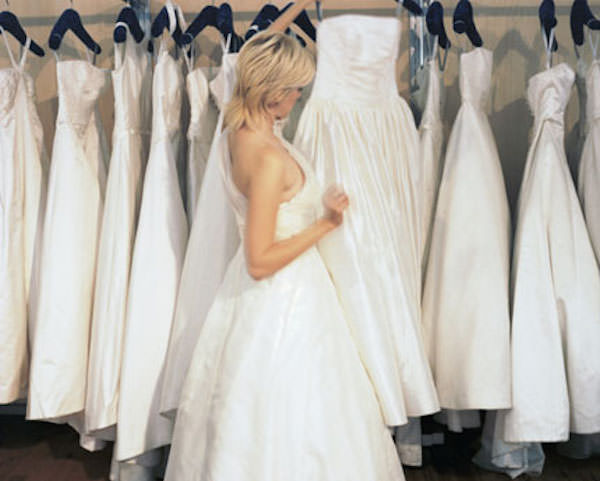 A Wedding Consignment Boutique In The Washington Dc Area Bride Ping For Gown