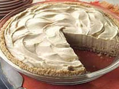 Peanut Butter Pie: An Easy Fall Recipe